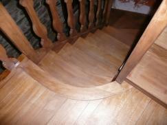 escalier à noyau chene